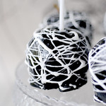 Black candy apples with marshmallow spider webs recipe