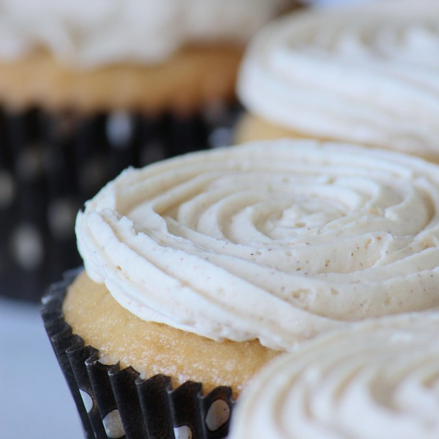 Maple Cupcakes with Cinnamon Frosting