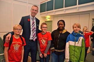 Philip Harper med några fans