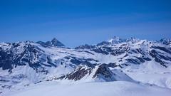 Widok na północ z przełęczy Coli de Punta Fuora 3108m. Zjeżdzamy na prawo, do schroniska Rif. Citta di Chivasso 2604m.