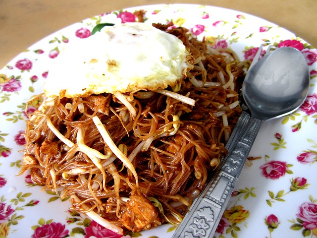 Yummy Kafe fried bihun, Malay-style