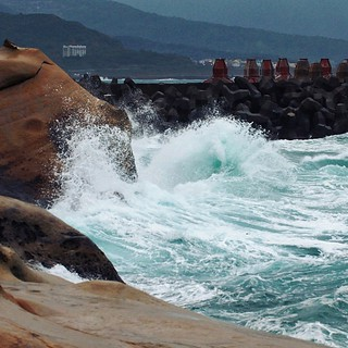 Pacific surf breaks at Yehliu Geopark. #Taiwan