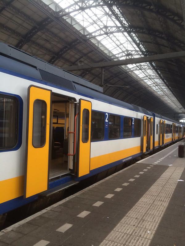アムステルダム中央駅に到着
