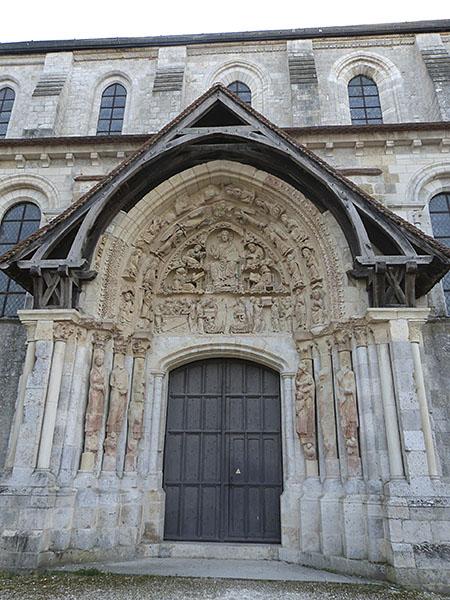 portique saint benoît