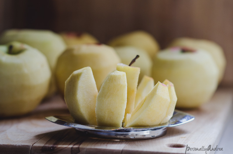 How to Chop Apples with an Apple Slicer | personallyandrea.com