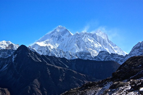 might be the only viewpoint where Everest looks bigger than Lhotse