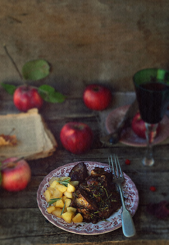 fried chicken liver with spicy herbs and stewed apples.3