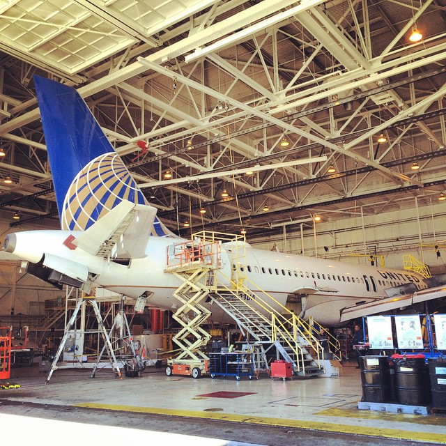 An A320 in the shop #sfofamilyday2014