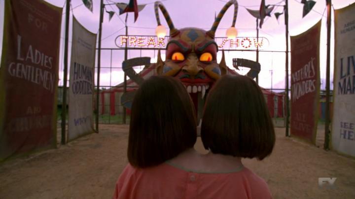 American.Horror.Story.S04E01.HDTV.x264-LOL[22-54-26]