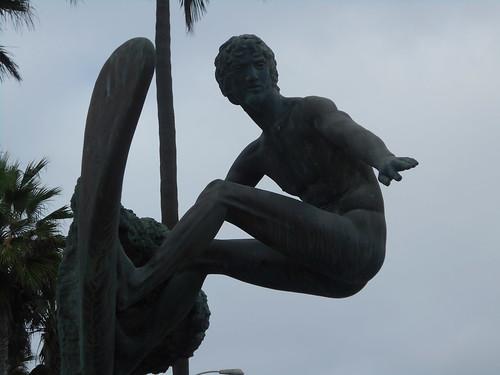 naked surfer statue (3)