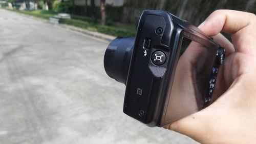ปุ่ม Frame Assist - Seek บน Canon PowerShot SX700HS