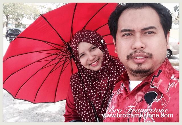 Tema Merah - Konvokesyen Universiti Teknologi Petronas
