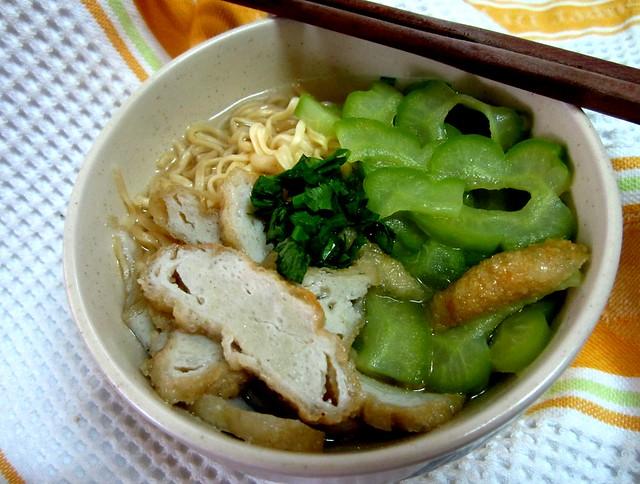 Bitter gourd fish cake noodles 3