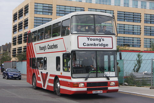 Youngs Coaches R385 LGH (c) David Bell