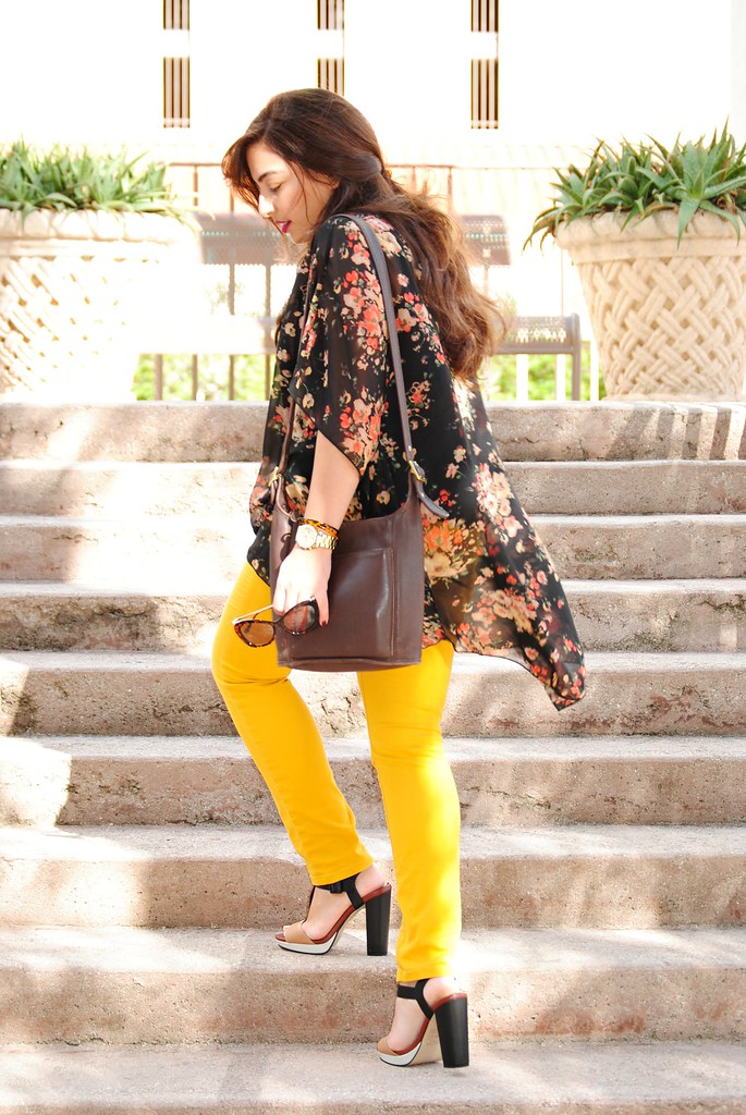 http://earnestyle.blogspot.com/2014/10/cute-fall-outfit-self-photography.html
