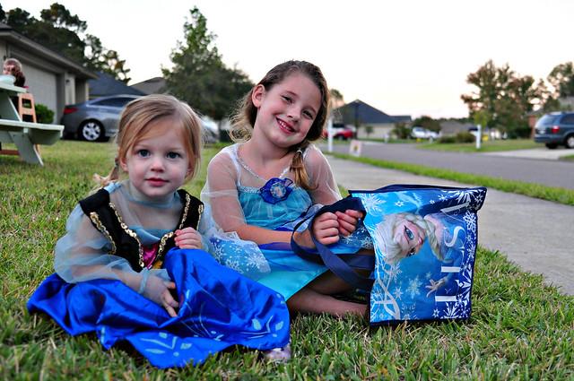 Anna and Elsa 2014