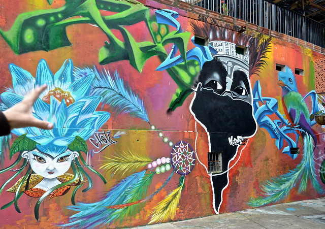 graffiti art comuna 13 medellin, colombia
