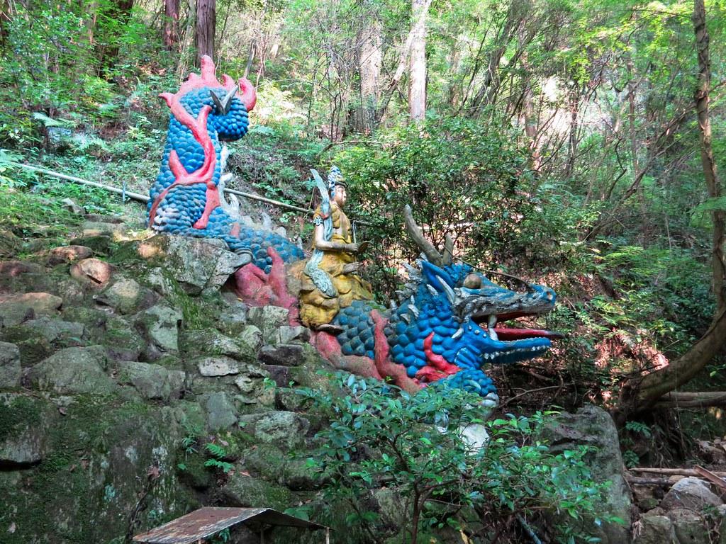 青の龍王像