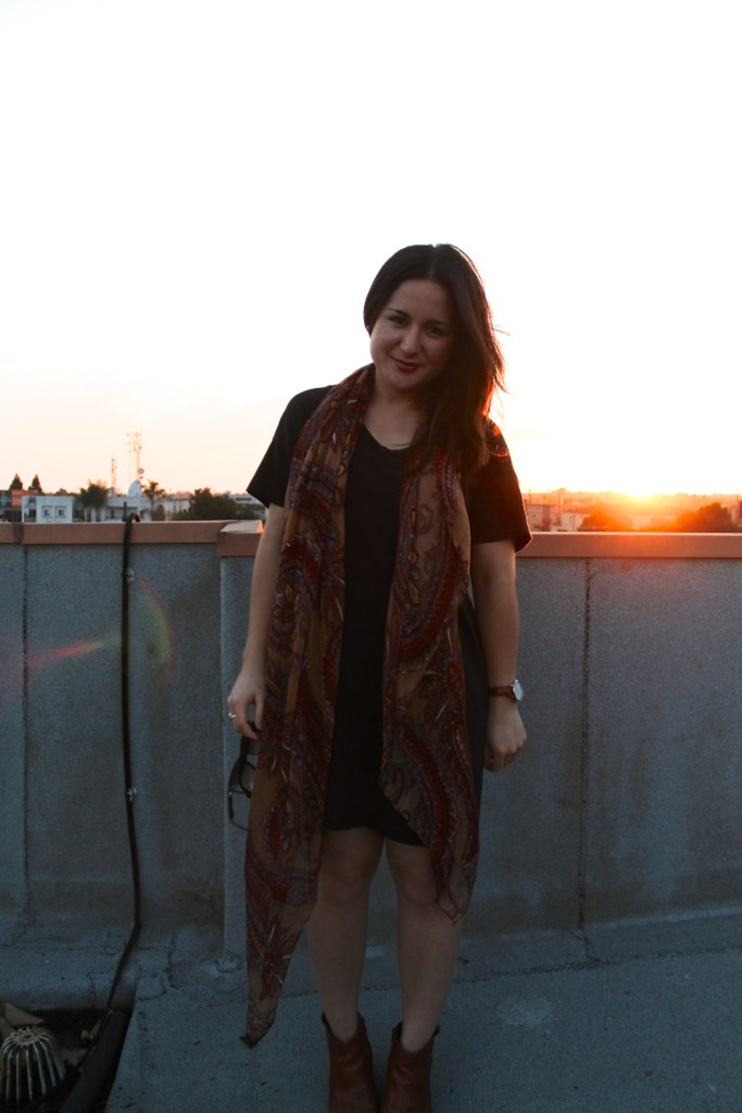 casual fall outfit: t-shirt dress and printed scarf