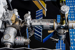 39-International_Space_Station_100_scale_model-2014