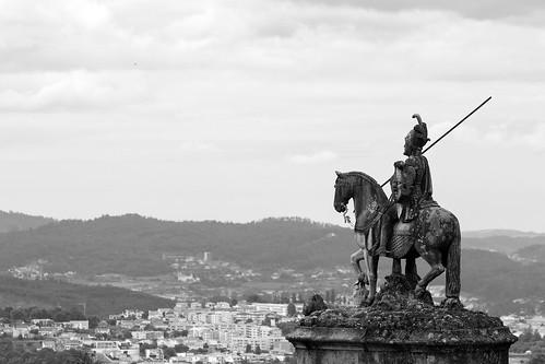 statue stone view vista pedra braga estátua horseman granit bomjesus cavaleiro granito bomjesusdomonte