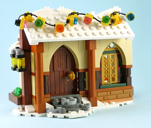 LEGO 10245 Santa's Workshop 19