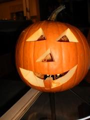 holiday(0.0), carving(1.0), art(1.0), event(1.0), pumpkin(1.0), halloween(1.0), calabaza(1.0), jack-o'-lantern(1.0),
