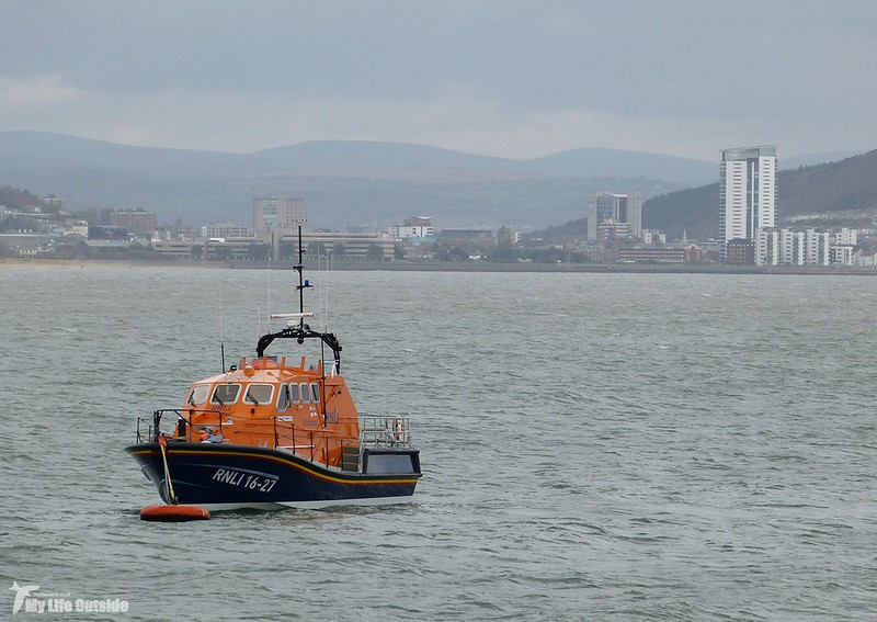 P1100105 - Mumbles Pier Lifeboat