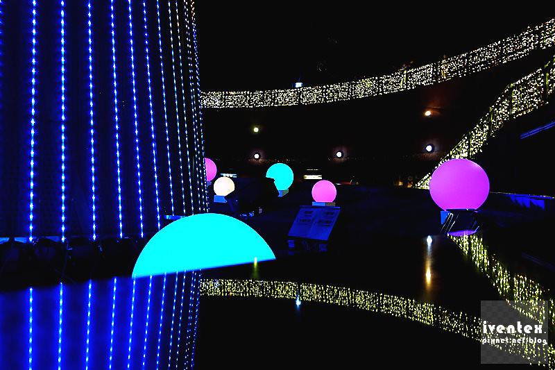 30刀口力2014新北市歡樂耶誕城新北市市民廣場耶誕樹.