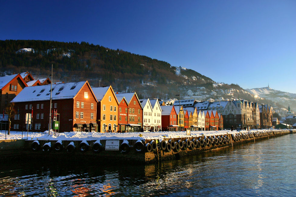 adaymag-stunning-photos-that-prove-bryggen-norway-is-the-ultimate-storybook-town-02