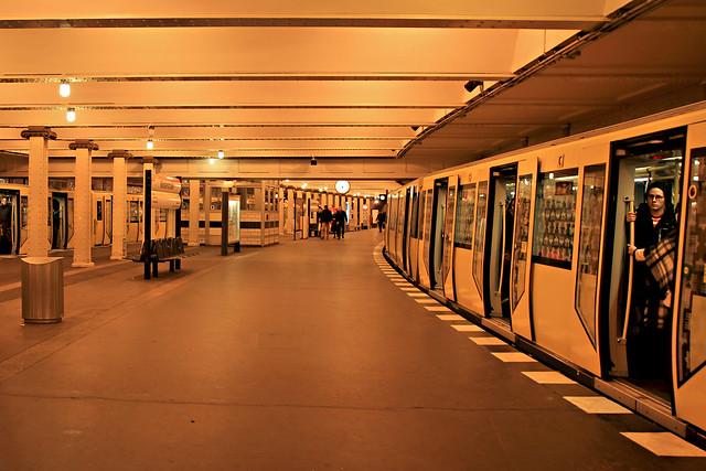 Yellow underground - Berlin