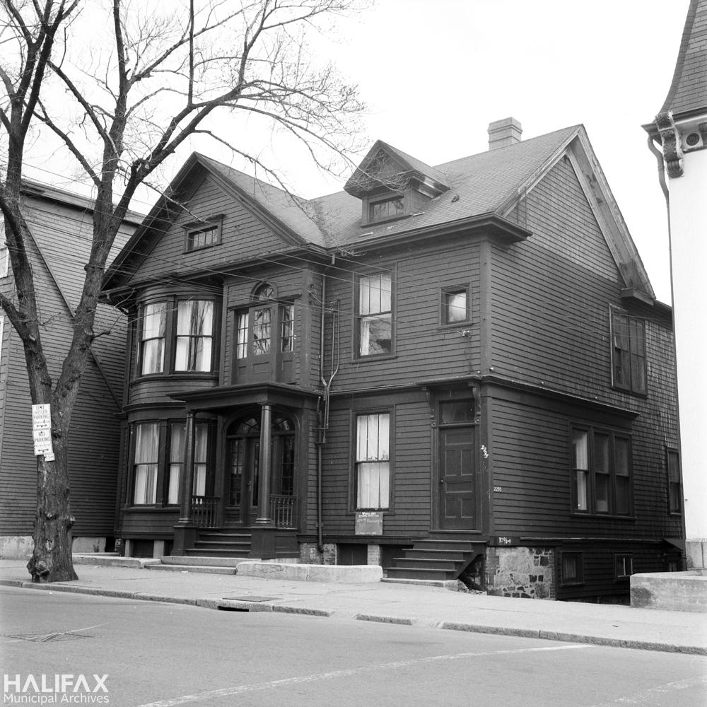 2213-2323 Brunswick St.