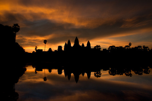 light sunset sky cloud sun lake tree history water silhouette clouds sunrise canon landscape temple mirror golden cambodia outdoor dusk magic silouette shore hour historical serene angkor wat tempel mirroring 18135 skyporn clouporn
