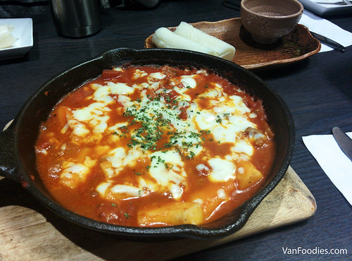 Rice Cake Pasta with Tomato Meat Sauce