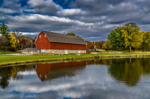 park autumn trees red sky color fall water wisconsin barn rural reflections pond october colorful fallcolor unitedstates country hdr refelctions mukwonago 2014 waukeshacounty mukwonagopark