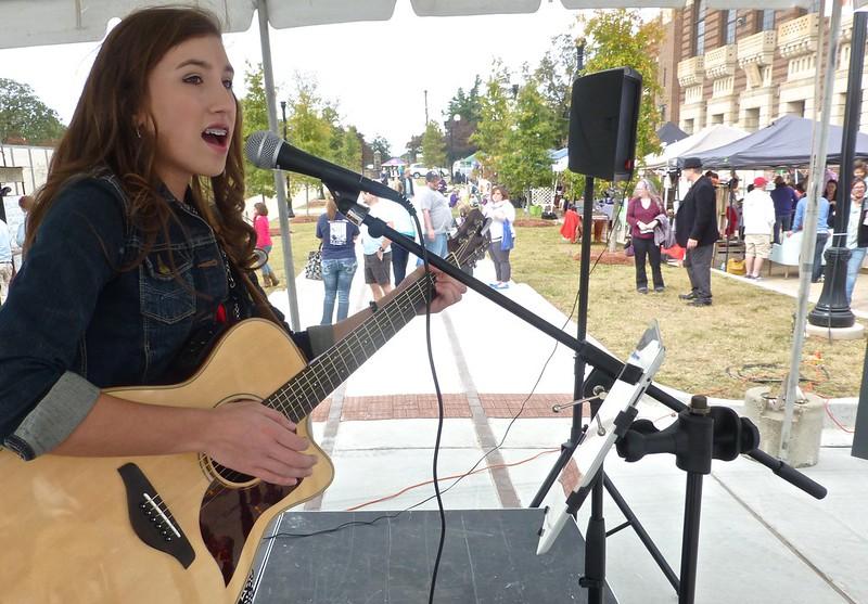 Texas Ave Makers Fair, Shreveport: Victoria Wells