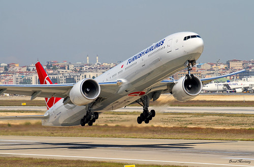 Turkish Airlines 777-300(ER) TC-JJS