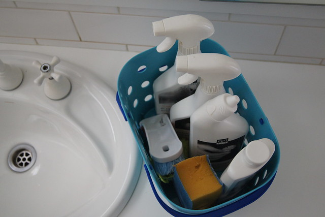 how to create a cleaning caddy DSC01212