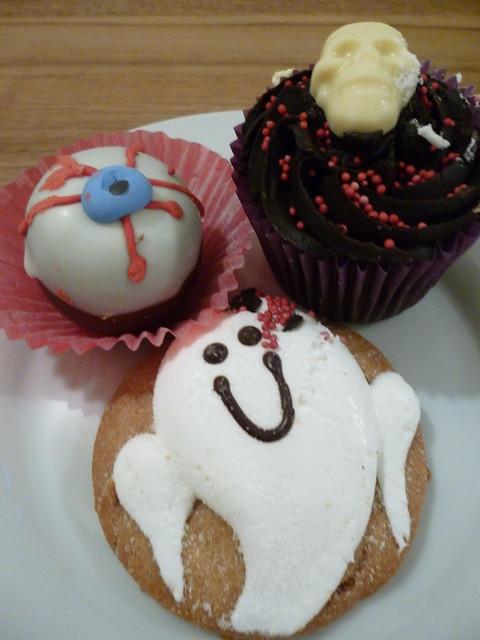 spooky cakes (2)