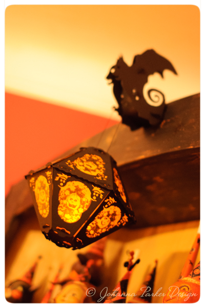 Halloween-Lantern-collectible-Shelf