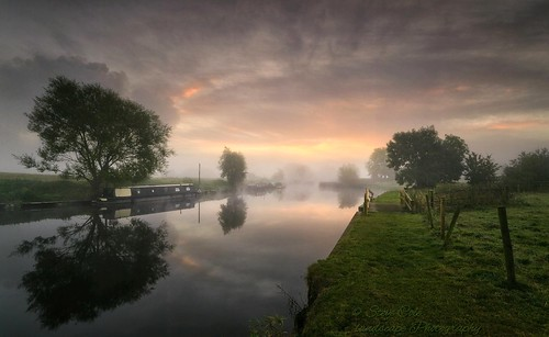 mist misty sunrise reflections river dawn moody leicestershire serene tranquil atmospheric narrowboats riversoar sigma1020mmf4 nikond7000 09graduatedfiltersoft