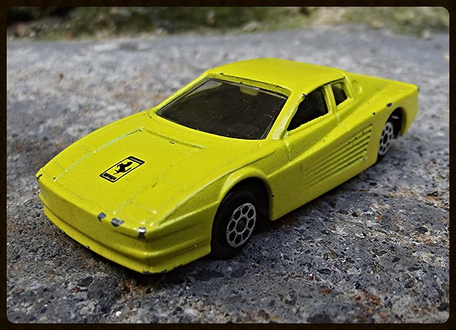 N°211 Ferrari Testarossa. 15550129586_a26c7eb9bc_z