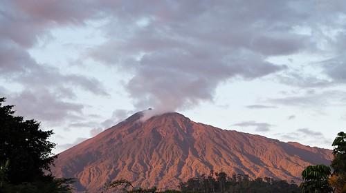 africa leica travel sunset mountain nature landscape tanzania volcano peak m mount summicron 28 arusha dormant 240 meru