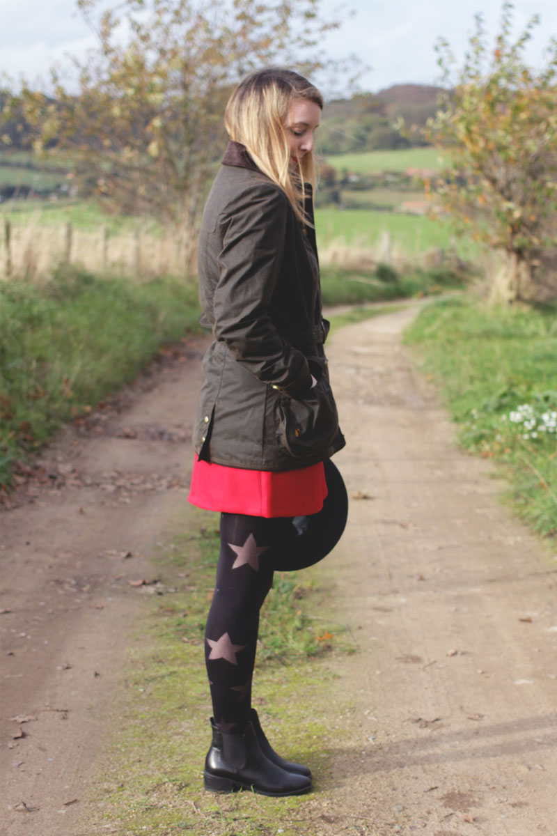 What to wear in the country, Bumpkin Betty