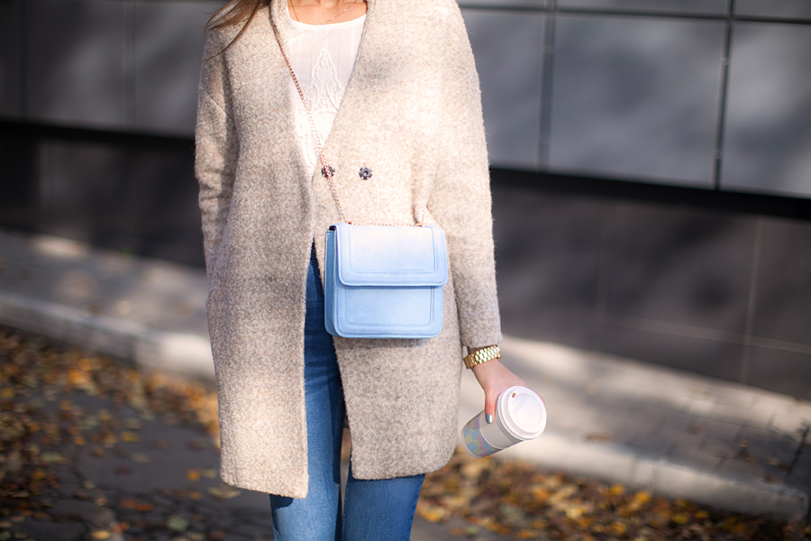how-to-wear-a-beige-coat-outfit