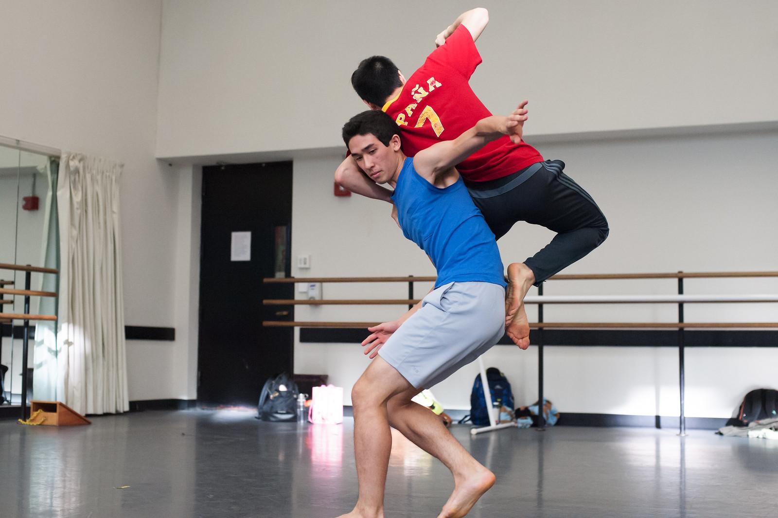 Kate Weare choreography for Juilliard Dance; photo by Keira Heu-Jwyn Chang