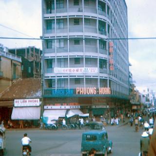 CHOLON 1960s - KS Phượng Hoàng, góc Đồng Khánh-Tổng Đốc Phương (nay là góc Trần Hưng Đạo B-Châu Văn Liêm)