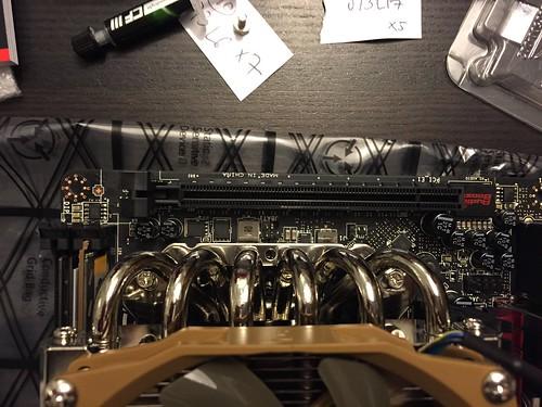 PCI E slot