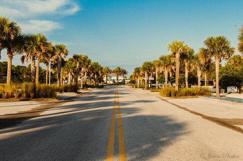 street morning blue vacation vintage nikon florida sunny bluesky palm retro palmtree polarizer vilanobeach polarizingfilter sunshinestate vilano d90 floridiana nikond90 vsco vscofilm