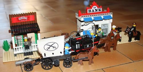 6765_Lego_Western_Main_Street_22